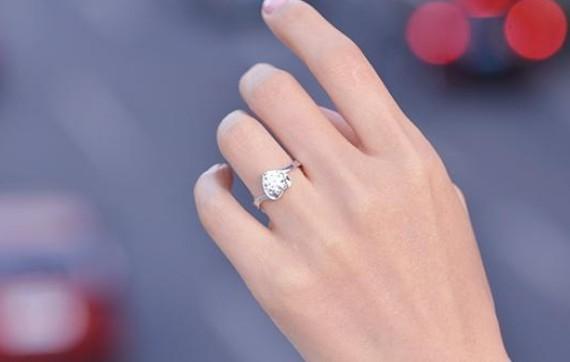 钻戒钻石在家用什么清洗?钻石日常怎么保养清洗?